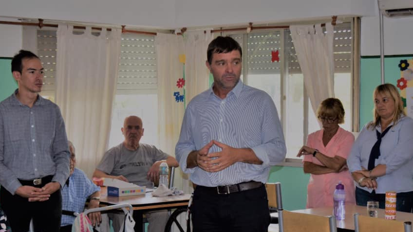 El Intendente Gonzalo Peluso presento hoy el Plan Forestación Urbana